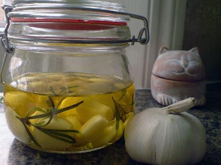 garlic in oil